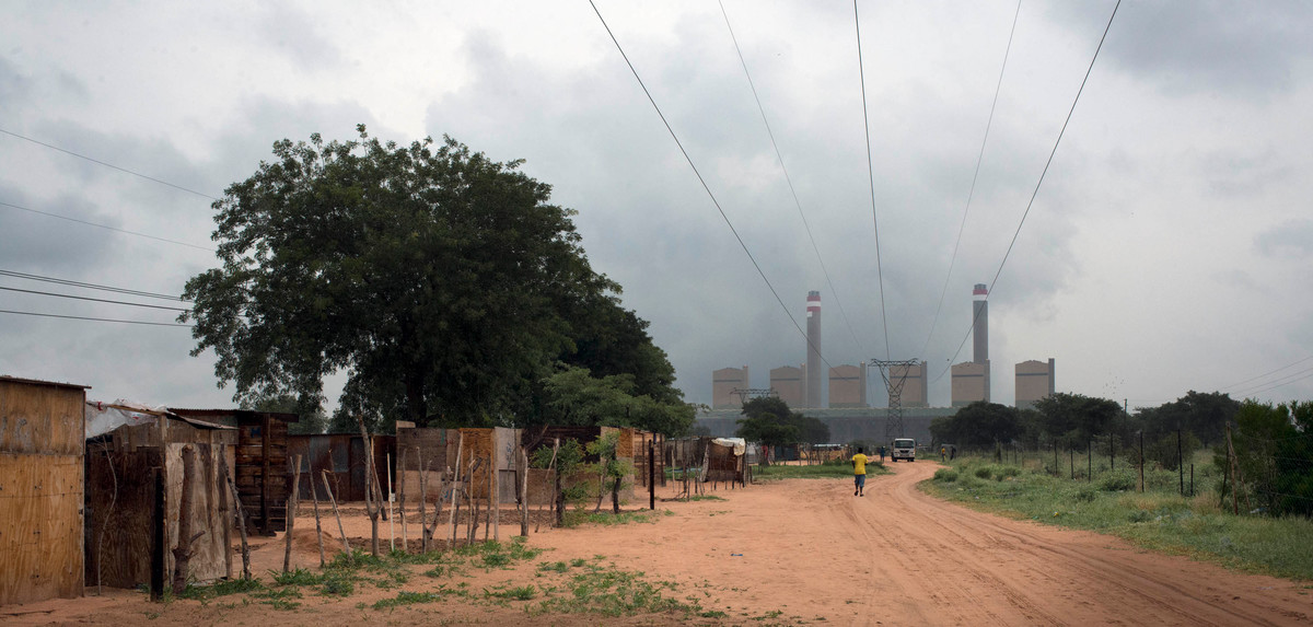 Matimba Coal Power Station in South Africa. © Shayne Robinson
