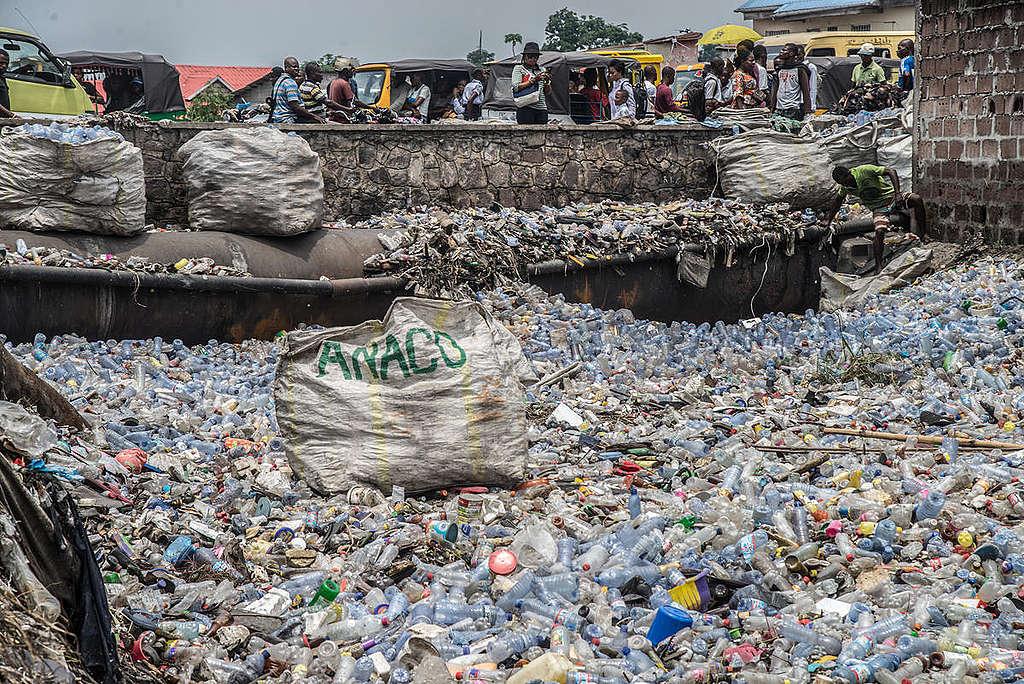 Plastic Waste in Kinshasa, DRC. © Junior D. Kannah / Greenpeace