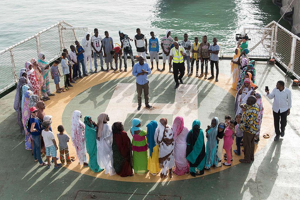 Open Boat Day on the Esperanza in Nouakchott. © Pierre Gleizes / Greenpeace