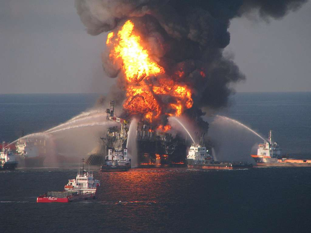11 workers died and millions of barrels of crude oil gushed into the Gulf of Mexico during the BP Deepwater Horizon disaster – the worst oil spill in United States history. © The United States Coast Guard