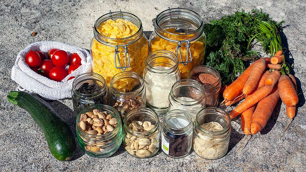 Zero waste living tips. There are Two Sides to zero-waste 'Eco Living' lifestyles