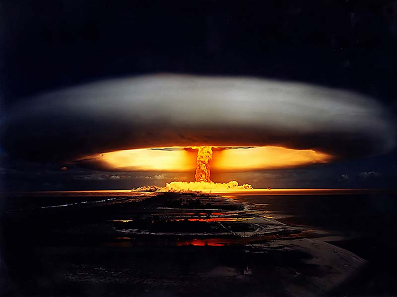 """Opération Licorne (""""Operation Unicorn"""") nuclear test. 22nd May1970. A 914 kiloton thermonuclear air burst. Fangataufa. French Polynesia, Pacific. (PHoto by Galerie Bilderwelt/Getty Images)"""