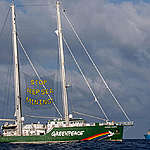 Actions contre l'exploitation minière en eaux profondes : le Rainbow Warrior rentre au port