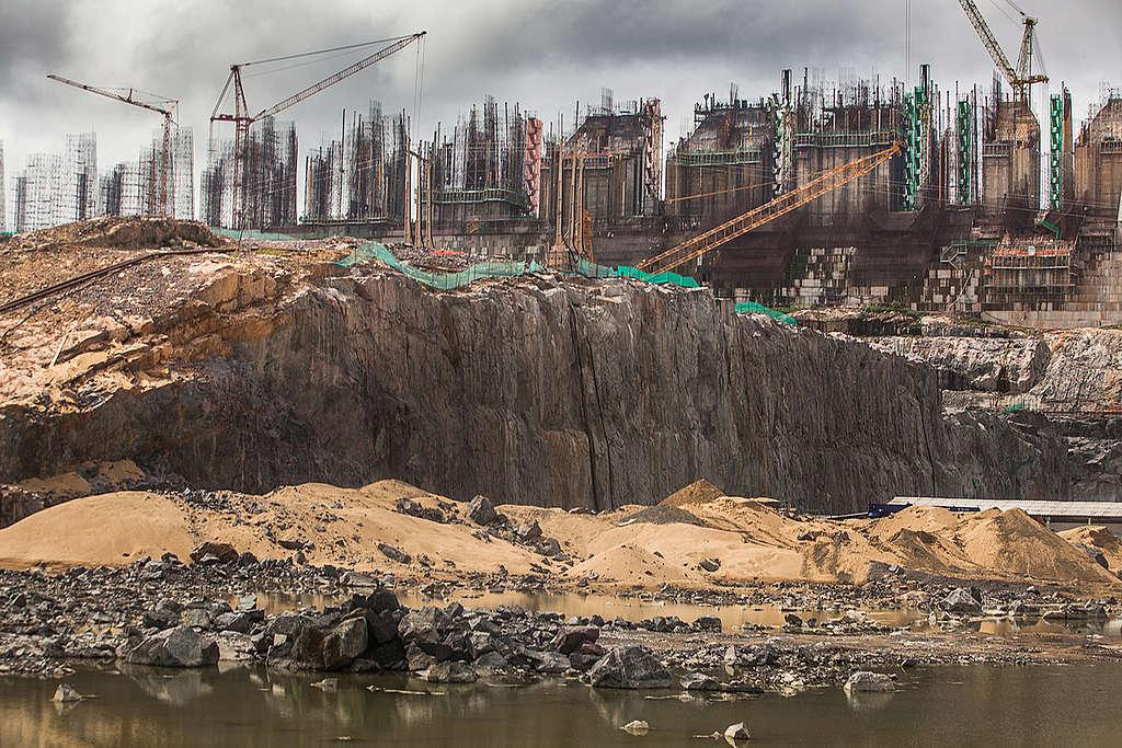 Canteiro da construção da hidrelétrica de Belo Monte, no rio Xingu, em 2014 .