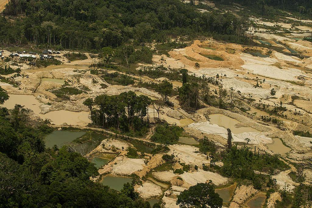 Imagem aérea dos garimpos ilegais na Terra Indígena Munduruku