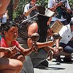 Povo indígena Anacé fazendo uma roda de toré na Greve Global pelo Clima em Fortaleza, Ceará