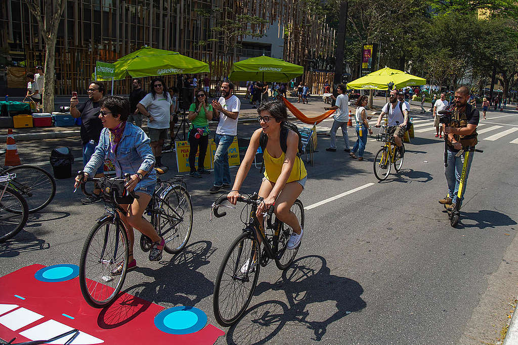 Bike Revenge Activity in Sao Paulo. © Greenpeace / Christian Braga