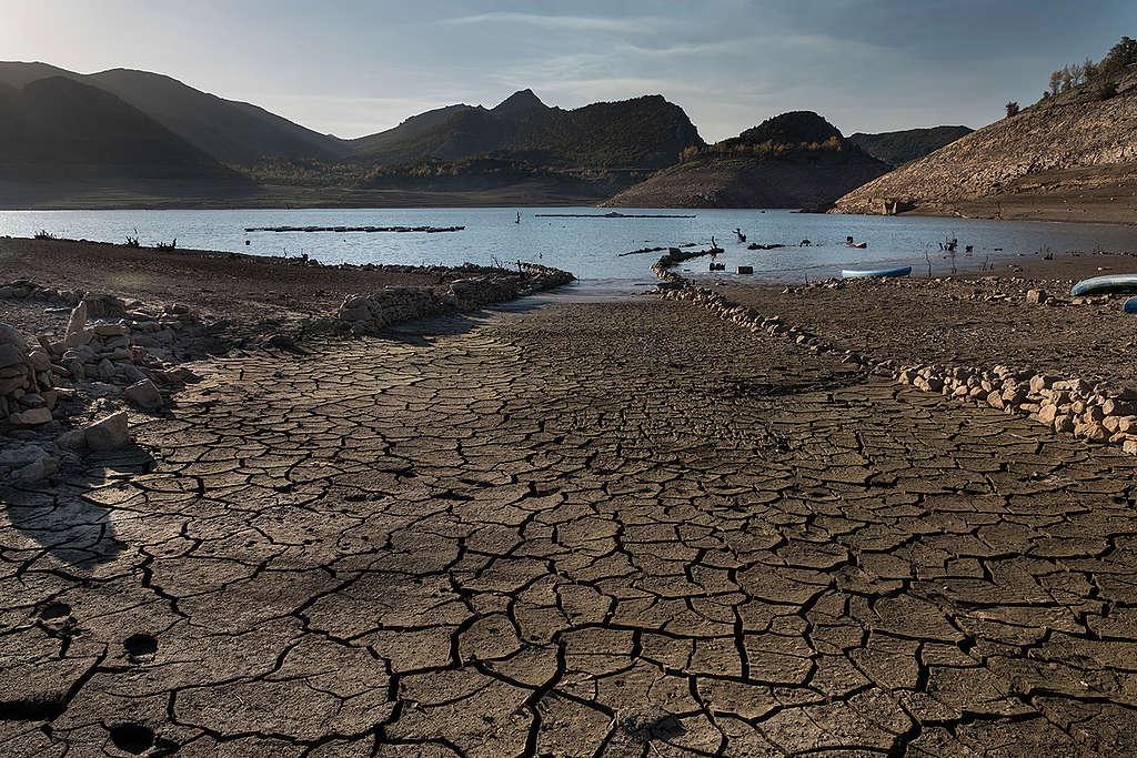 Barrios de Luna Reservoir in Spain. © Pedro Armestre / Greenpeace
