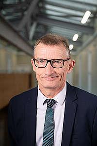 Жан-Франсоа Карон, кмет на Лос ан Гоел в Северна Франция