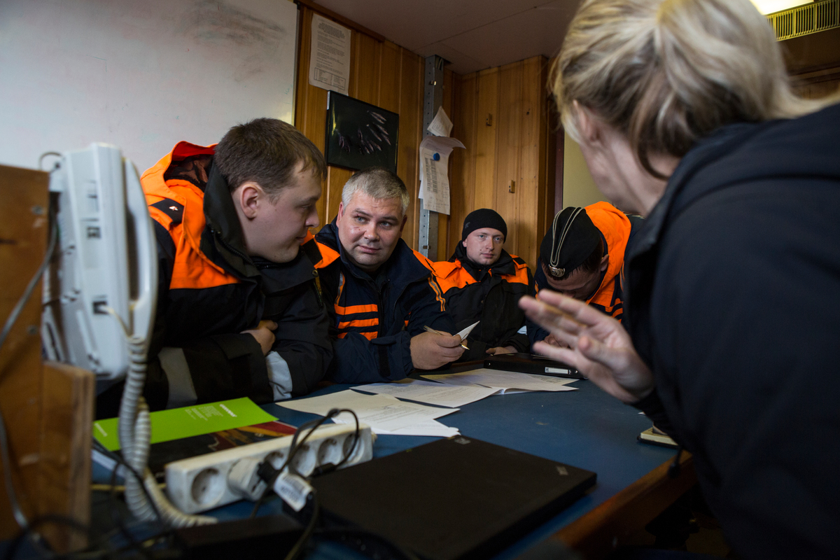 Russian Authorities Board the Arctic Sunrise. © Will Rose / Greenpeace