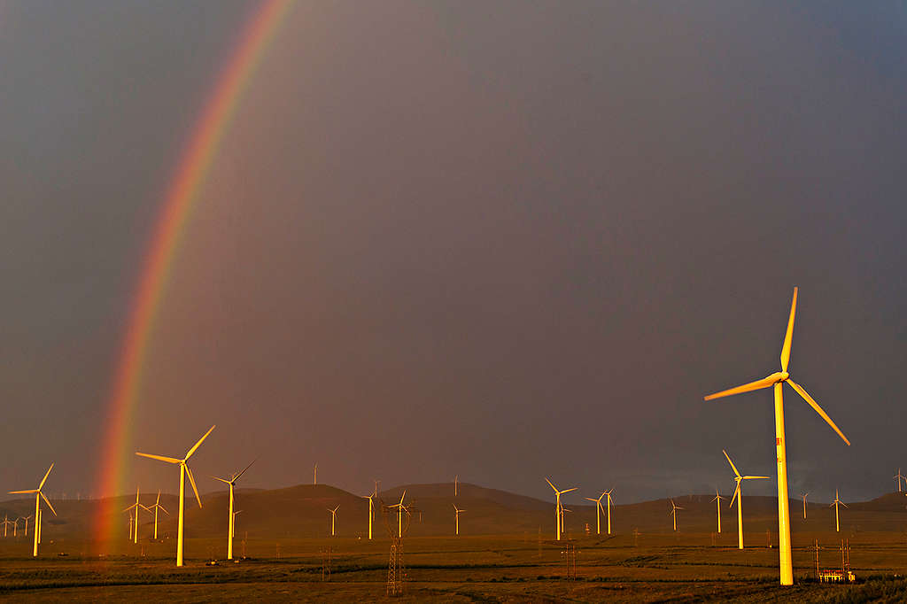Saihanba Wind Farm in Inner Mongolia. © Simon Lim / Greenpeace