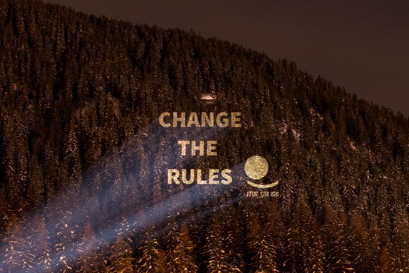 Activité de Greenpeace Justice au Forum économique mondial de Davos