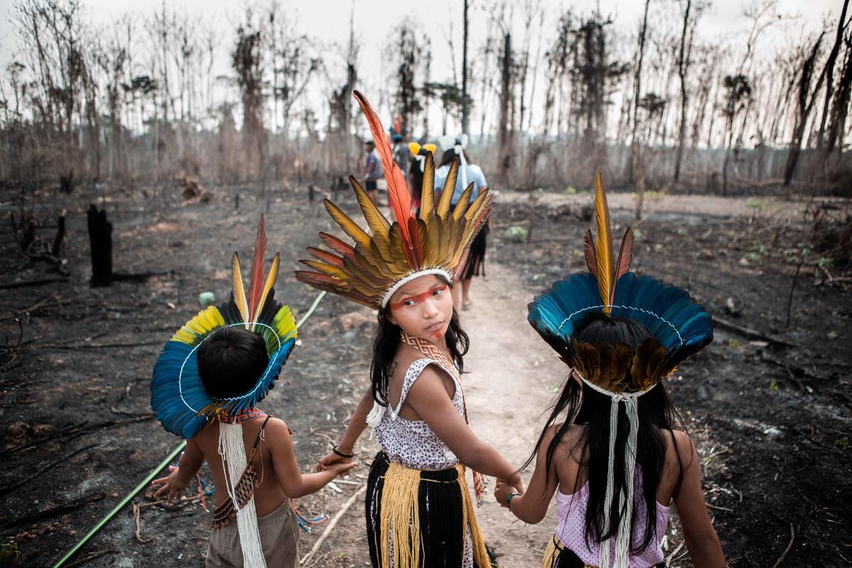 Members of the Huni Kuin Tribe in Brazil. © David Tesinsky / Greenpeace