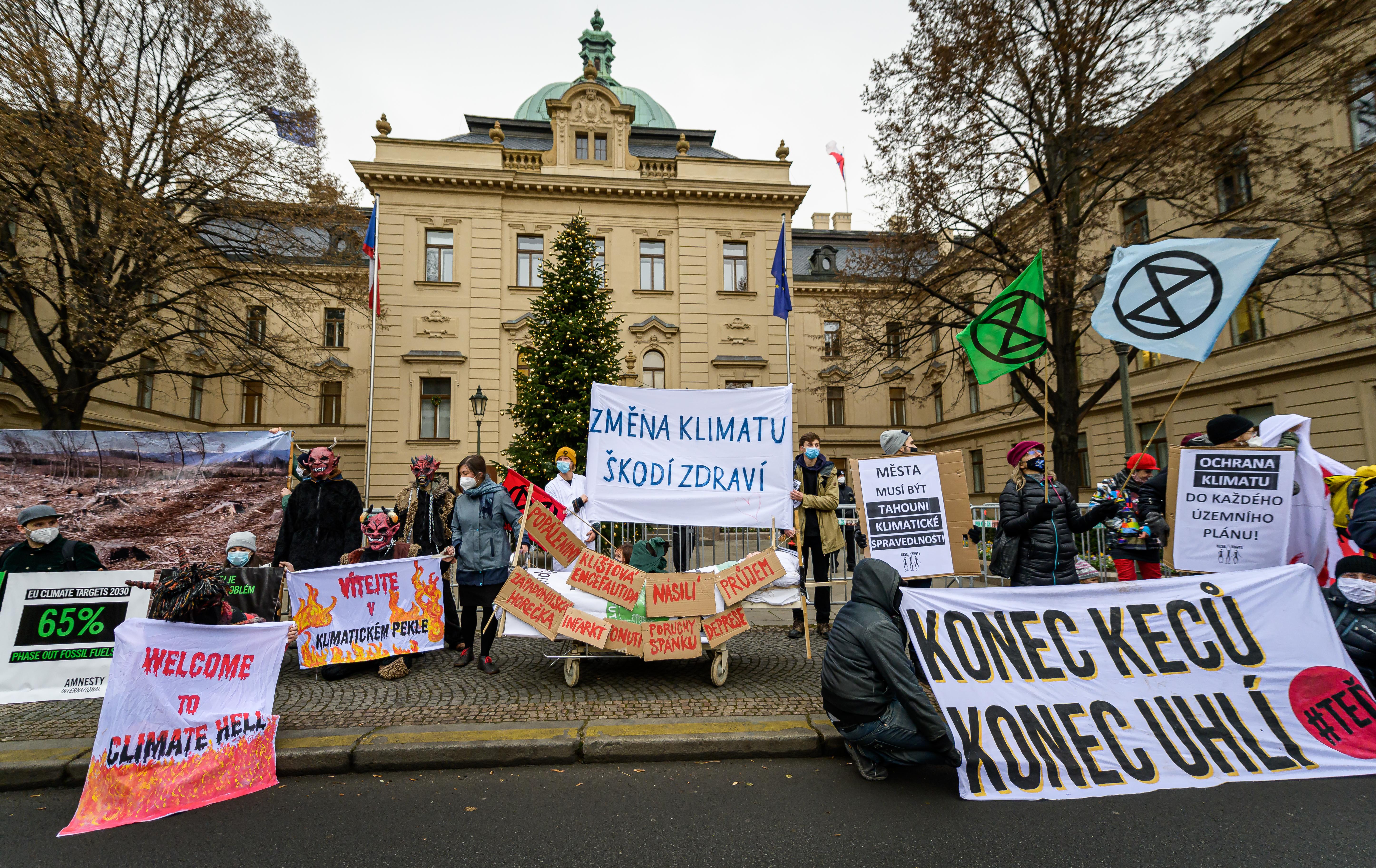 Emise skleníkových plynů v EU klesnou o 55 % v roce 2030. ČR musí dříve nahradit uhlí obnovitelnými zdroji