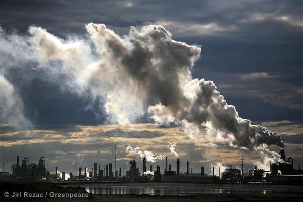 Hvis verdens kolossale forbrug af fossile brændsler fortsætter, vil kloden snart nå til et punkt, hvor der ikke er nogen vej tilbage i forhold til at bremse klimaforandringerne.