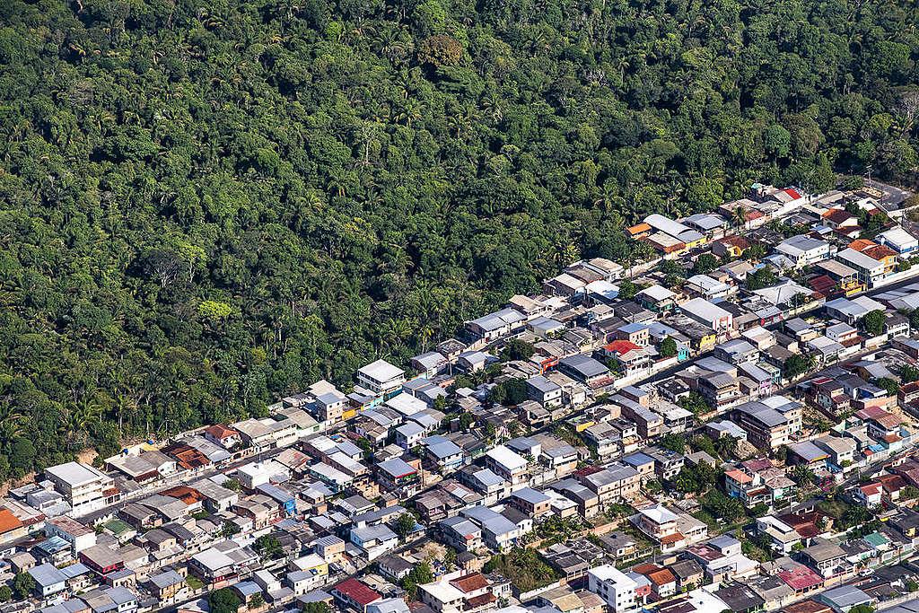 Manaus in the Brazilian Amazon. © Daniel Beltrá / Greenpeace