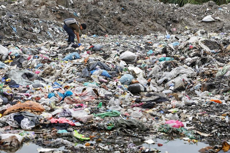 Data from the global plastics waste trade 2016-2018 and the offshore impact of China's foreign waste import ban