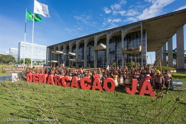 Demarcation Demand for Munduruku Protest in Brasilia. 29 Nov, 2016.  © Otávio Almeida / Greenpeace