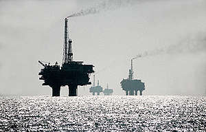 Oil Rig in Brent Oil Field in North Sea. © Karsten Smid / Greenpeace
