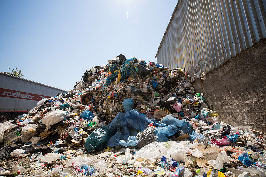 Recycling and Waste Management Facilities in Zakynthos. © Constantinos Stathias / Greenpeace