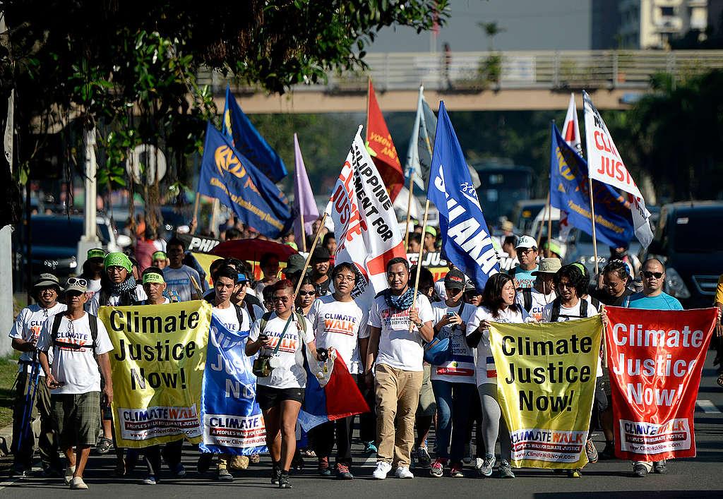 Climate Walk in Manila. © Nathaniel Garcia / Greenpeace