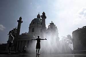 Climate Change Impact Austria - City heatwave. © Mitja  Kobal / Greenpeace