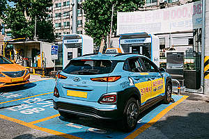 Electric Taxi in Seoul. © Kwangchan Song / Greenpeace