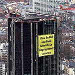 Deutsche Bank Protest in Frankfurt. © Greenpeace / Andreas Varnhorn