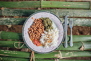 Food in Lokolama. © Kevin McElvaney / Greenpeace