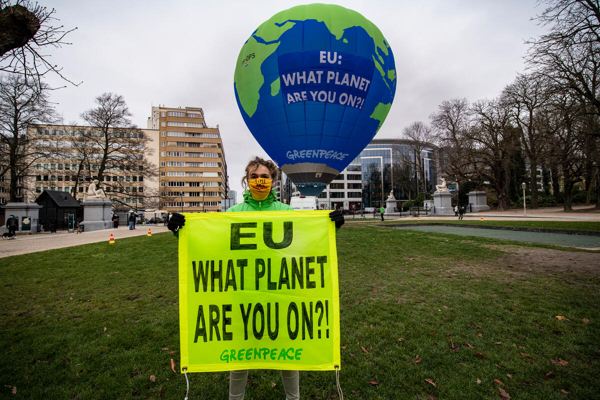 EU Council and 2030 Climate Target - Action in Brussels. © Philip Reynaers / Greenpeace