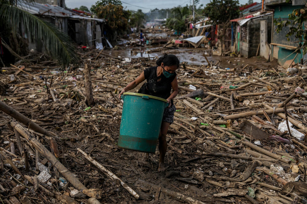 Aftermath of Typhoon Vamco in the Philippines. © Basilio H. Sepe / Greenpeace