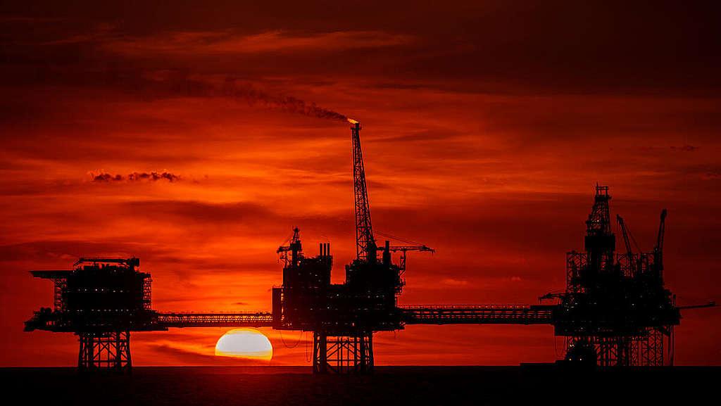 Culzean Gas Platform in the North Sea. © Marten  van Dijl / Greenpeace