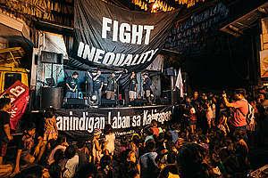 Fighting Inequality Concert in Manila. © Jilson Tiu / Greenpeace