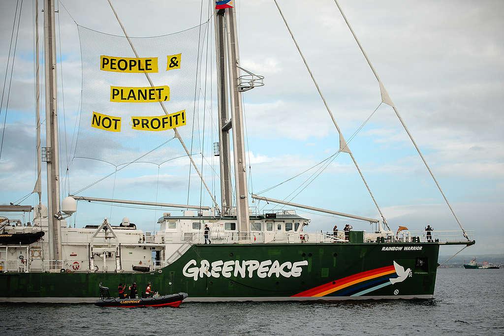 Rainbow Warrior in the Philippines. © Jilson Tiu / Greenpeace
