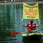 Climate Action at Eni Headquarter in Rome. © Greenpeace / Francesco Alesi