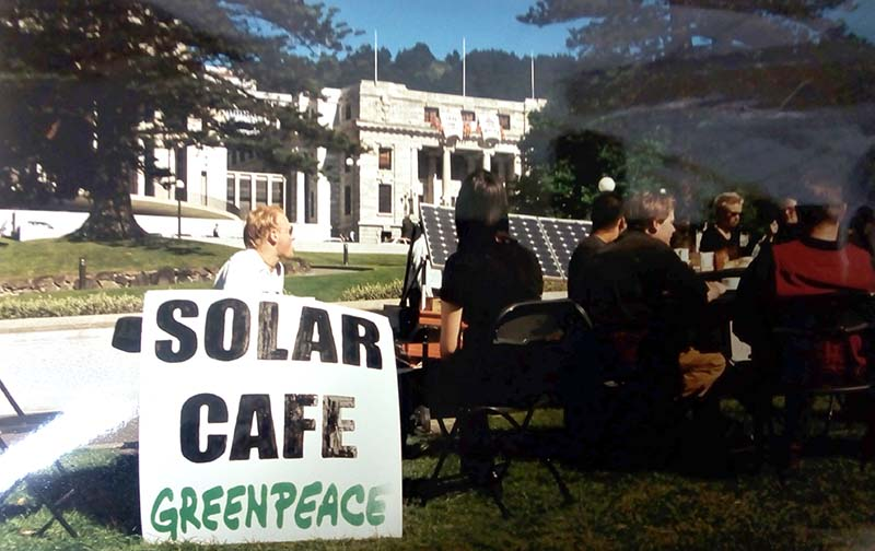 13 November 1997 People drinking coffee at the Solar Café that Greenpeace set up outside Parliament. Photo by Rob Taylor
