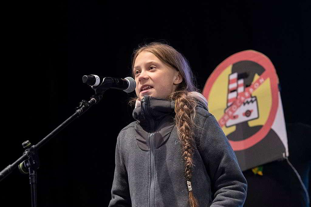 Greta捐出去年獲頒挪威言論自由獎項的獎金,聲援People vs. Oil訴訟。 © Pablo Blazquez / Greenpeace