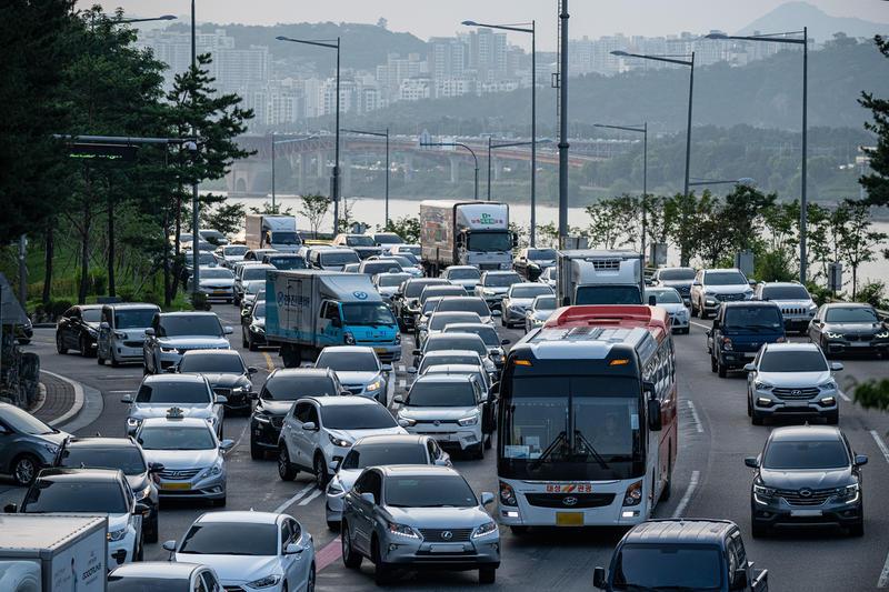 典型的現代城市面貌:擁擠、繁忙、壓迫。© Sungwoo Lee / Greenpeace
