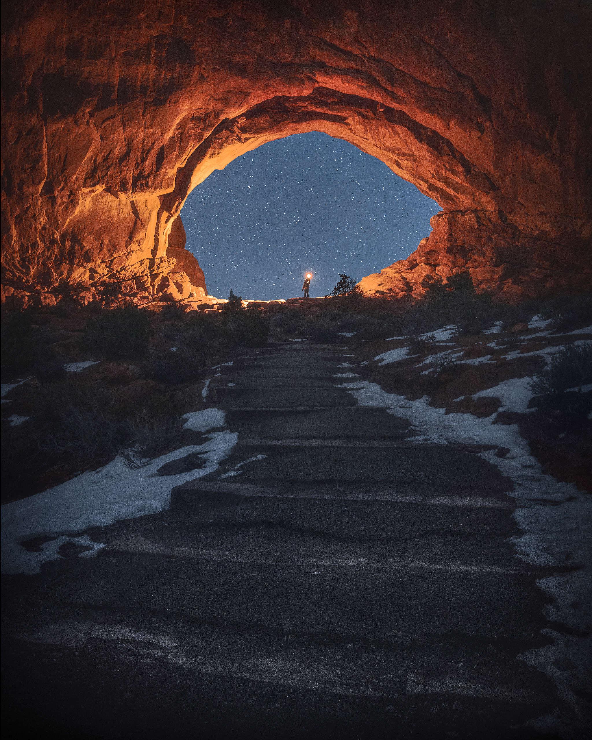 前住北窗拱門的步道。(20s F2.8 ISO6400)© Kelvin Yuen
