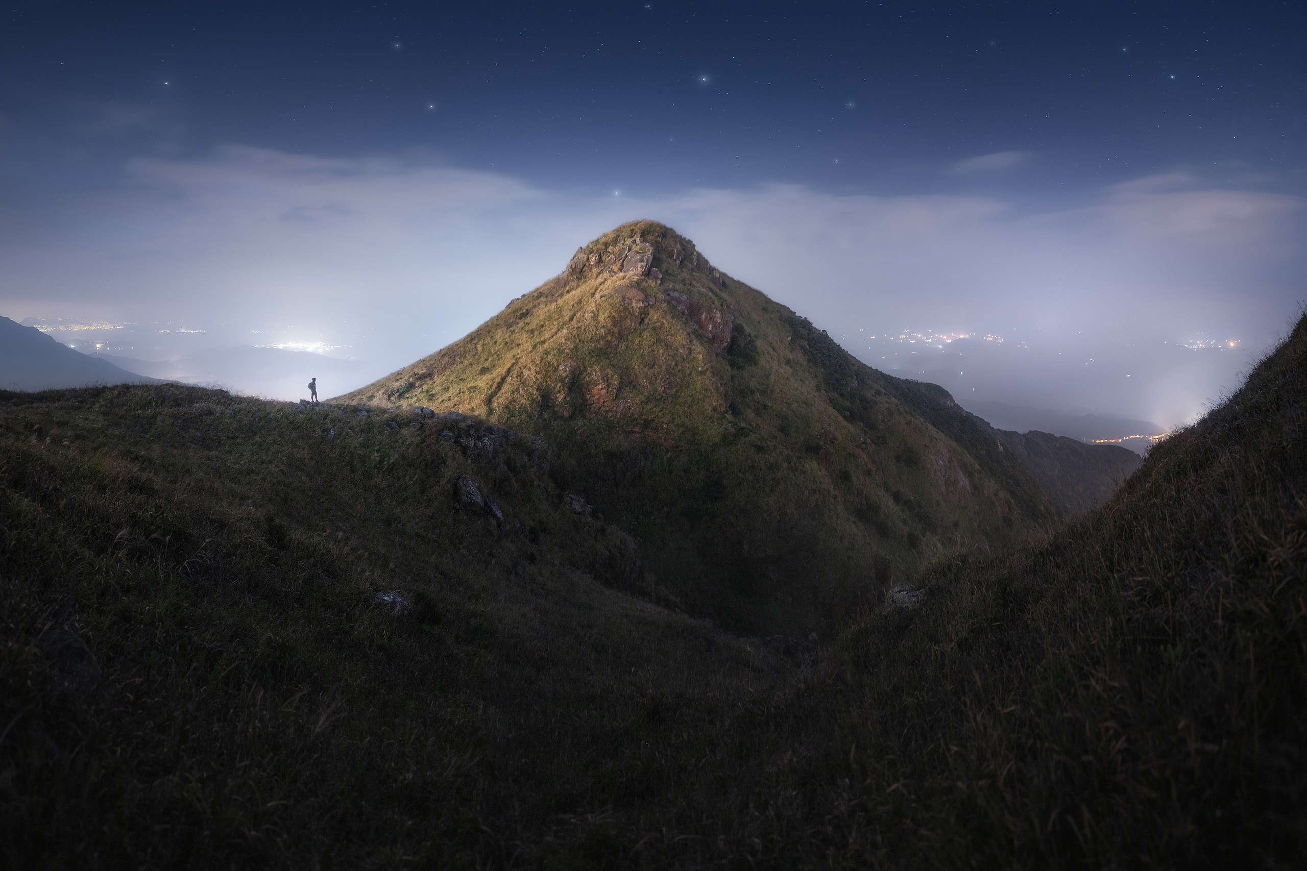鳳凰山星空。(10s F1.8 ISO800)© Kelvin Yuen