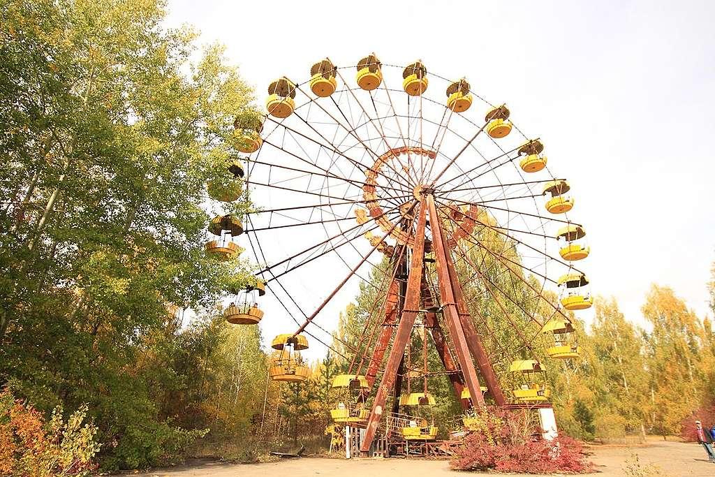 切爾諾貝爾Pripyat的遊樂場原定於1986年5月1日開幕,偌大的摩天輪想必是孩子最期待的遊戲之一。© Alison Hui / Greenpeace
