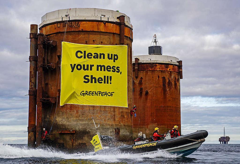 綠色和平2019年在Shell布蘭特油台的和平抗議行動。© Marten van Dijl / Greenpeace