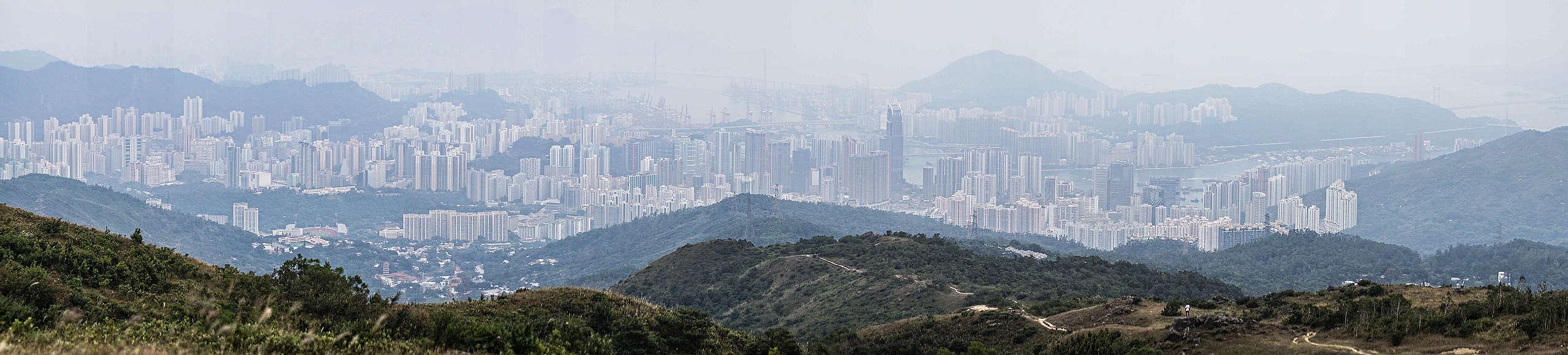 小時候常去的山村已遭拆卸,聰sir現在更想做的,是從急速發展的香港,保護屬於每一個香港人的自然環境。© Kim Leung / Greenpeace