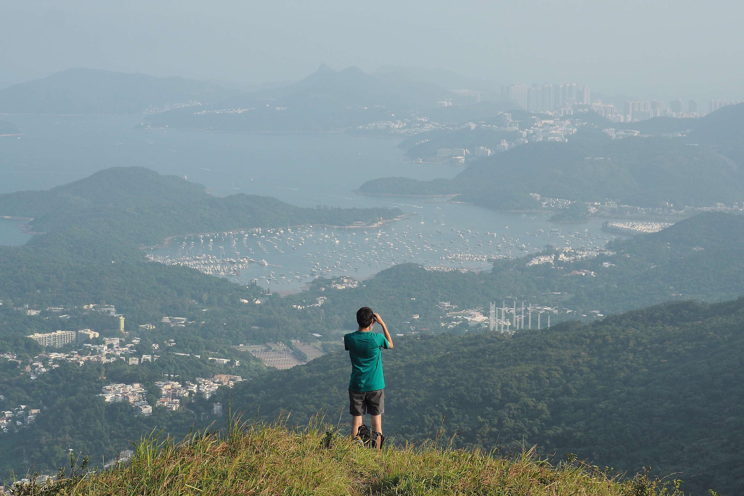 路上能俯瞰西貢沿海的美景。© 香港山女