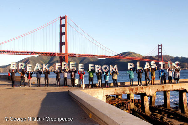 """More than one million people ahead of this year's Earth Day (April 22) are demanding that the world's largest corporations reduce their production of single-use plastic. In the US, Greenpeace activists deployed two messages near the Golden Gate Bridge in San Francisco that read """"Break Free From Plastic"""" and """"Stop Corporate Plastic Pollution,"""" """"We are reaching a tipping point on single-use plastics, and it is time for any corporation that cares about a healthy planet to go beyond recycling alone. Throwaway plastics continue to pour into our oceans, our waterways, and our communities at an alarming rate,"""" said Graham Forbes, a Plastics Campaigner at Greenpeace USA."""