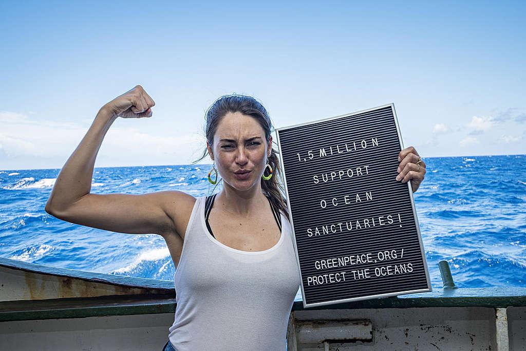 Shailene Woodley with Greenpeace in the Sargasso Sea. © Shane Gross / Greenpeace