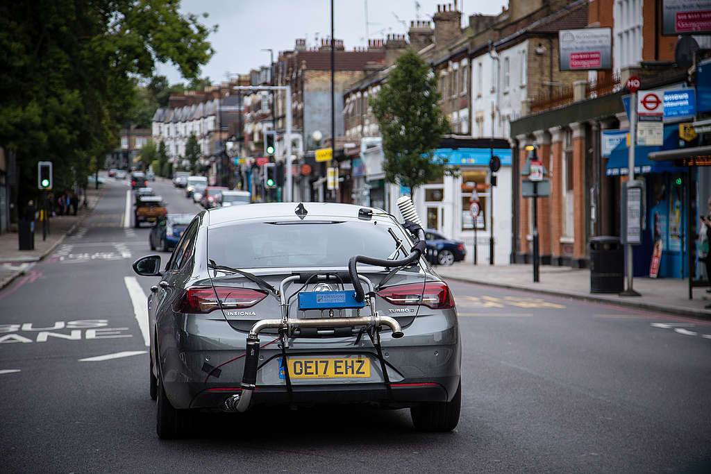 Diesel Cars Emissions Testing in UK. © Will Rose / Greenpeace