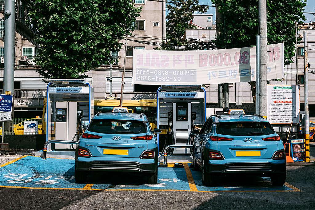 Electric Taxi in Seoul. © Kwangchan Song / Greenpeace