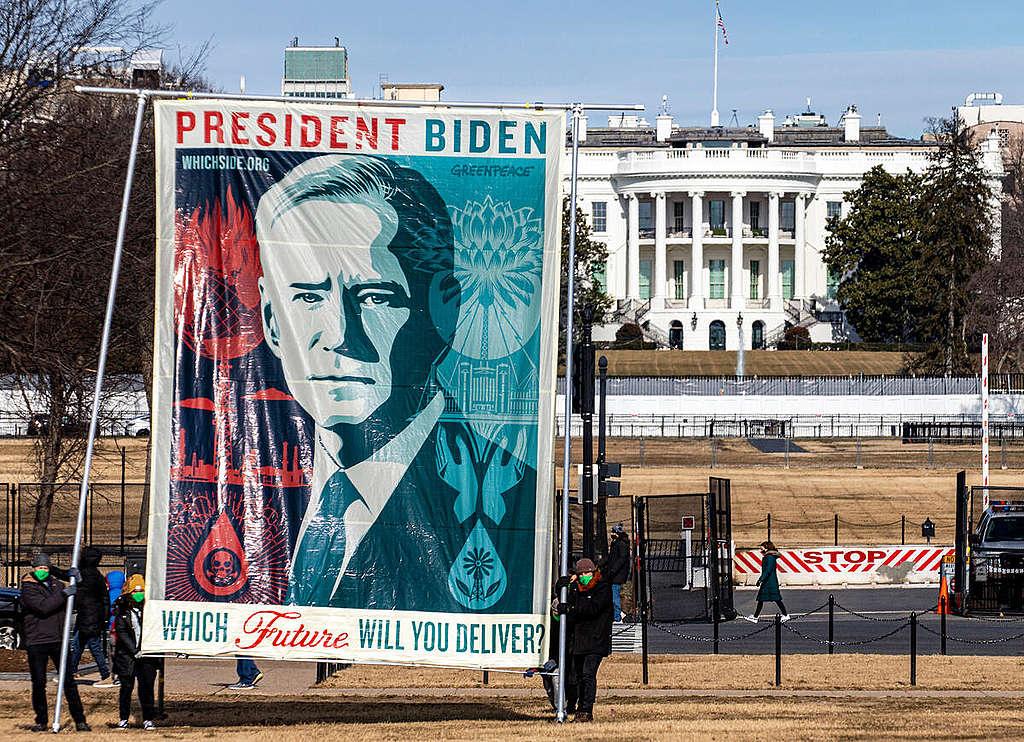 "Fairey's ""Biden: Which Future"" Art Banner in Washington DC. © Tim Aubry / Greenpeace"