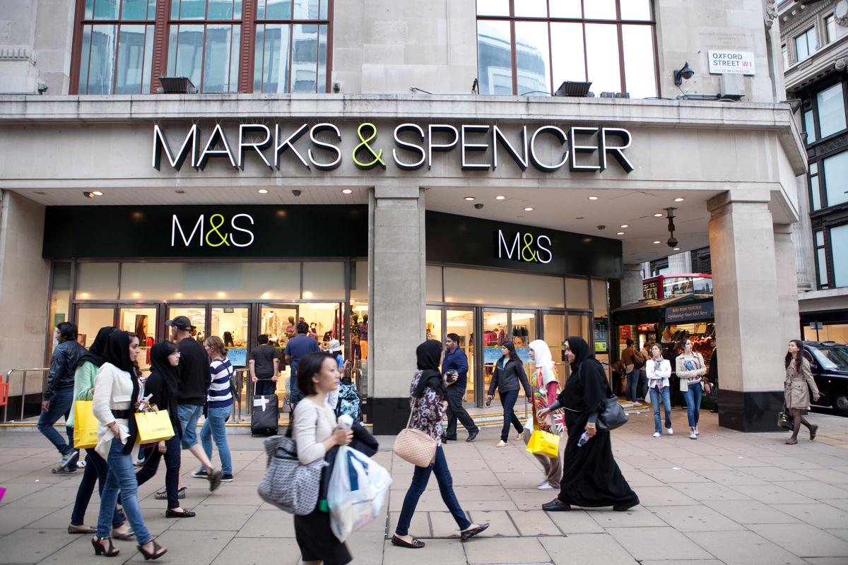 Marks & Spencer Store in London © Emma Stoner / Greenpeace